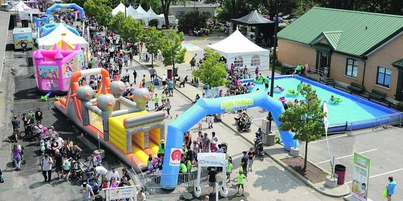 La Zone famille demeure un espace prisé des visiteurs avec ses tours de poneys, son aire de pique-nique, ses jeux gonflables et son bassin d'eau avec pédalos. Expo de Saint-Hyacinthe