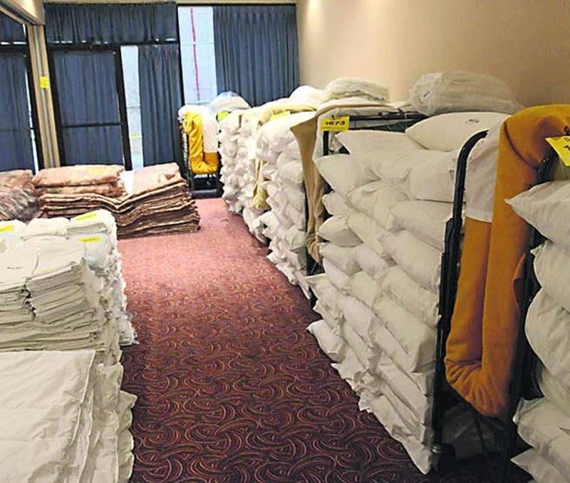L'abondante literie utilisée à l'Hôtel des Seigneurs représentait environ 5 000 articles dont des oreillers, des taies, des draps et même des couvertures thermiques.