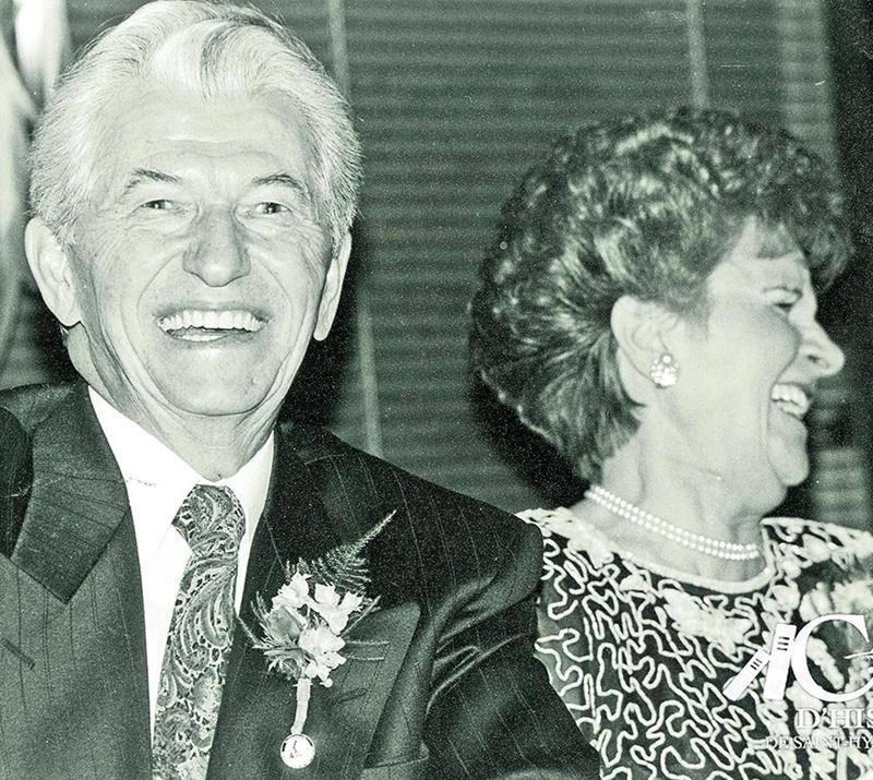 M. Pelletier et son épouse lors d'une fête pour ses 25 ans à la mairie, en février 1992. Photo Centre d'histoire de Saint-Hyacinthe