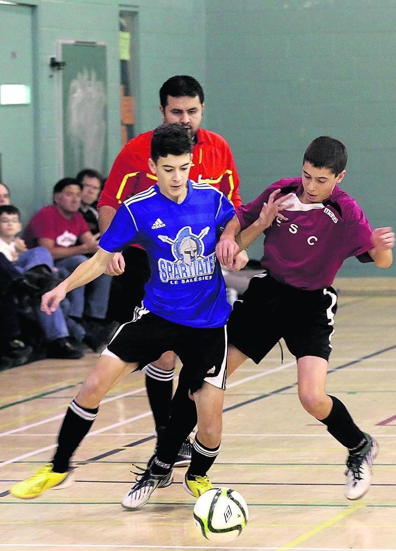 Pas moins de 132 équipes de soccer intérieur scolaire prendront d'assaut les gymnases de Saint-Hyacinthe au cours de la fin de semaine. Photothèque | Le Courrier ©