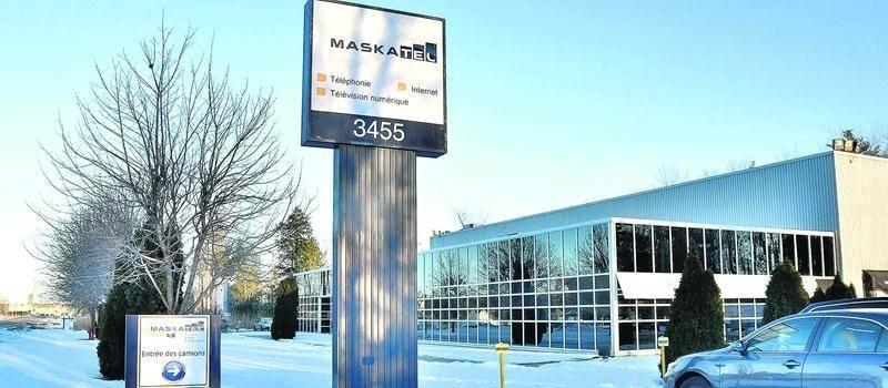 Le siège social du Groupe Maskatel situé sur le boulevard Choquette à Saint-Hyacinthe est à vendre. Photo François Larivière | Le Courrier ©
