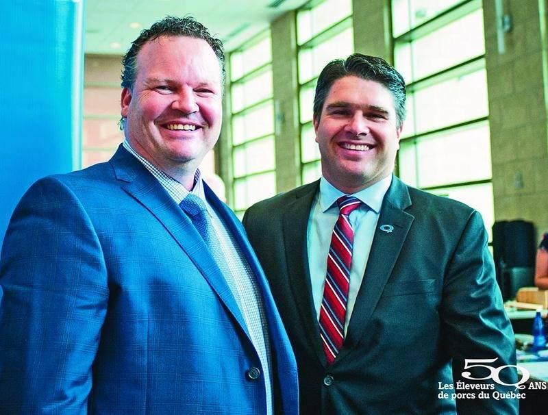 David Duval, président des Éleveurs de porcs de la Montérégie et deuxième vice-président des Éleveurs de porcs du Québec, en compagnie de David Boissonneault, président des Éleveurs de porcs du Québec.