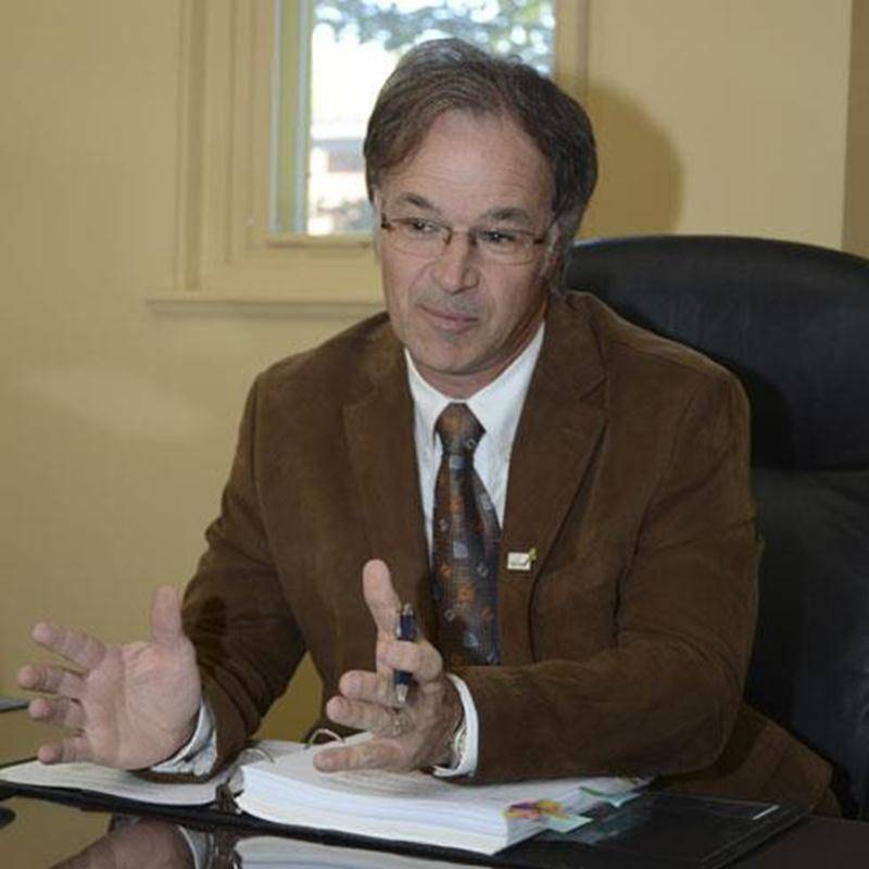 Le président de la CSSH, Richard Flibotte, affirme que les contribuables sont davantage pénalisés par les compressions budgétaires du gouvernement que par la taxation scolaire.