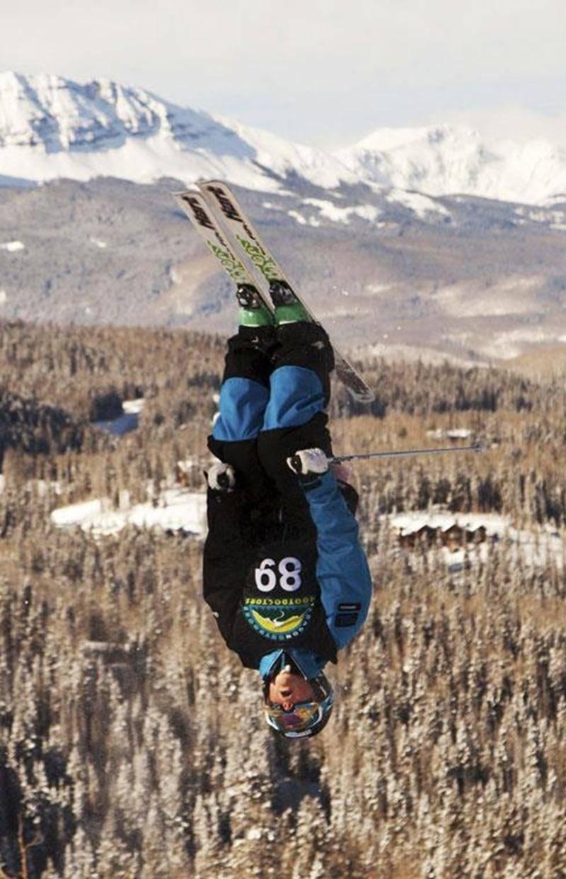 Katrine Bazinet s'exécute lors d'une routine à Telluride, au Colorado.