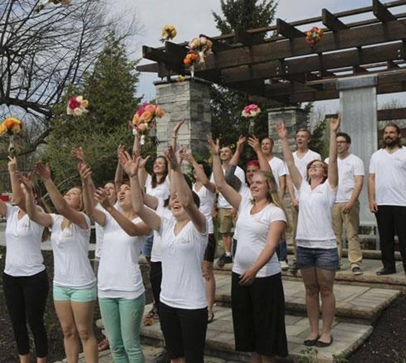 Les finissants du programme Paysage et commercialisation en horticulture ornementale (PCHO) de l'Institut de technologie agroalimentaire (ITA) sont fiers de présenter leur projet de fin d'études, <em>Au temps de l'amour</em>. Ce jardin romantique est à découvrir au Jardin Daniel A. Séguin.