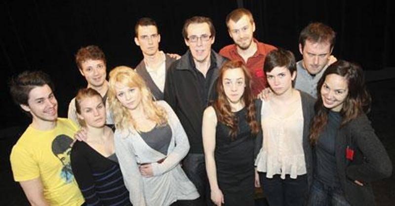 Les finissants de l'École de théâtre du Cégep de Saint-Hyacinthe interprèteront les personnages du dramaturge et metteur en scène Daniel Danis dans le cadre de leur dernière production de stage.