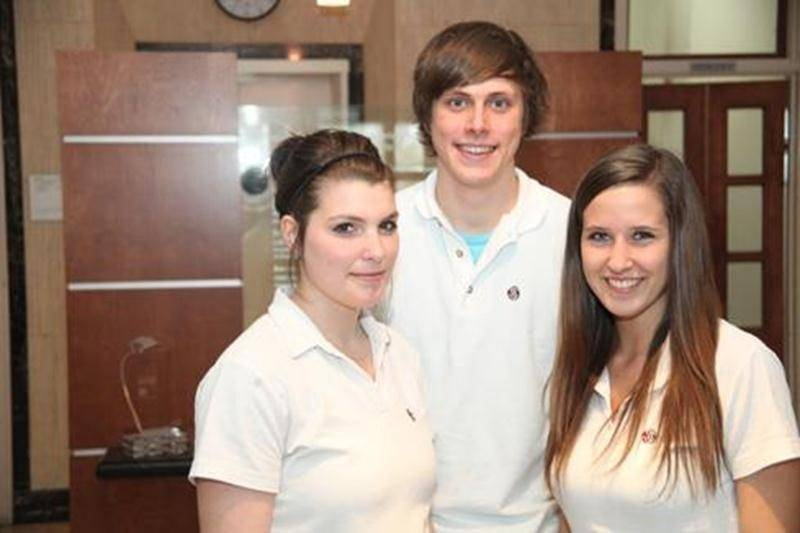 Chloé Thibault, Alexis Tremblay et Sarah Leblanc étaient des dix candidats à la finale provinciale du Concours jeunesse d'art oratoire Entreprendre.