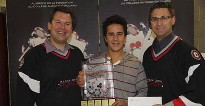 La 4<sup>e</sup> édition du tournoi de poker le Maska Open de la Fondation du Collège Antoine-Girouard a permis d'amasser plus de 5 000 $. Sur la photo on aperçoit, de gauche à droite, Bernard Nantel, organisateur de l'activité; Dominic Lussier, grand gagnant de l'édition 2012; et Patrick Lagacé, président de la Fondation. La Fondation remercie tous les partenaires et participants et invite la population à l'automne 2013 pour la 5<sup>e</sup> édition du Maska Open.