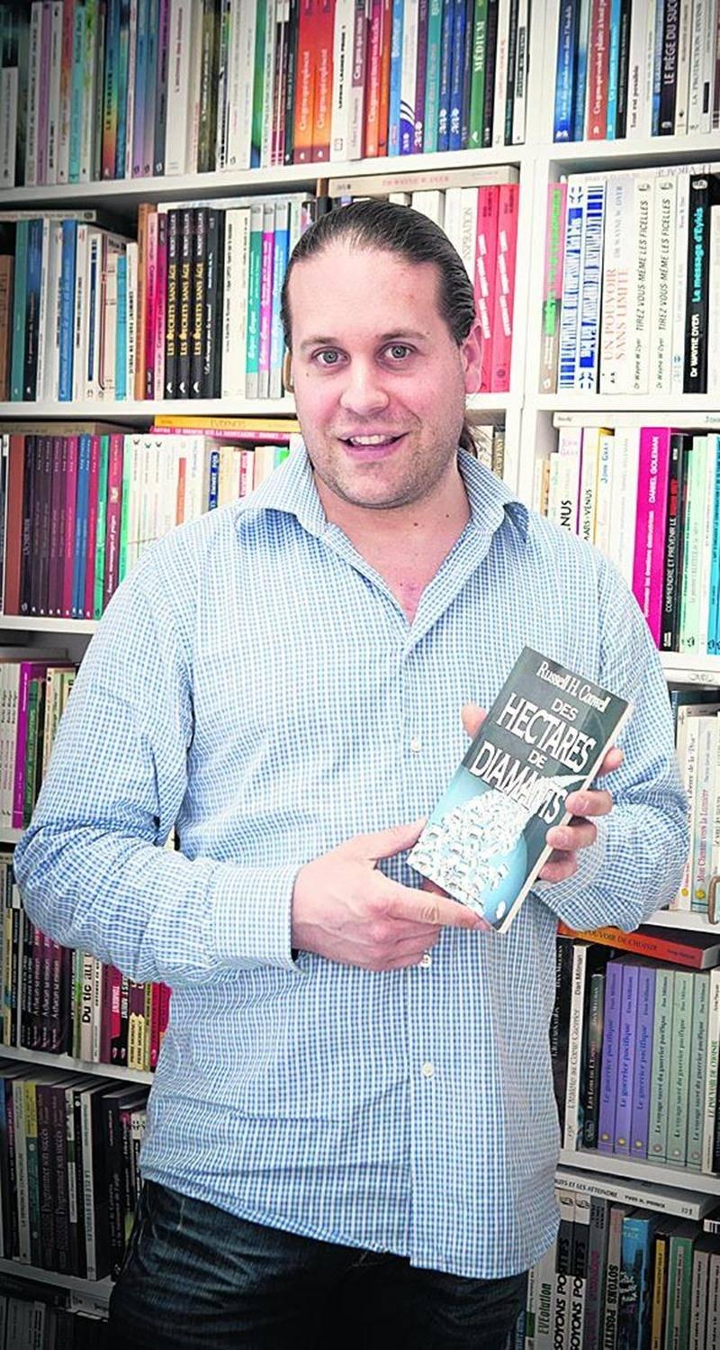 Après avoir lâché l'école à 15 ans, Frédéric Fortin est retourné aux études afin de devenir propriétaire d'une librairie à Beloeil.  Photo courtoisie