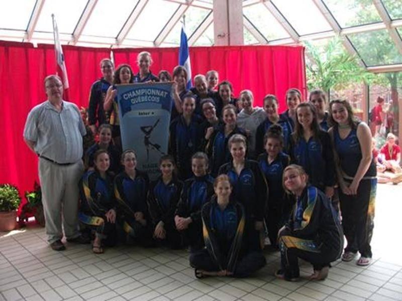 L'équipe Développement, les deux équipes Intermédiaire ainsi que l'équipe Inter+ des Vestales de Saint-Hyacinthe.