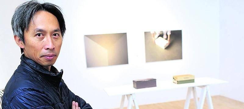 Avec Quand les ombres changent de couleur, Chih-Chien Wang marie photographie et vidéo pour capter les moments qui révèlent ce que l'on est et ce que l'on croit être. Photo Robert Gosselin   Le Courrier ©