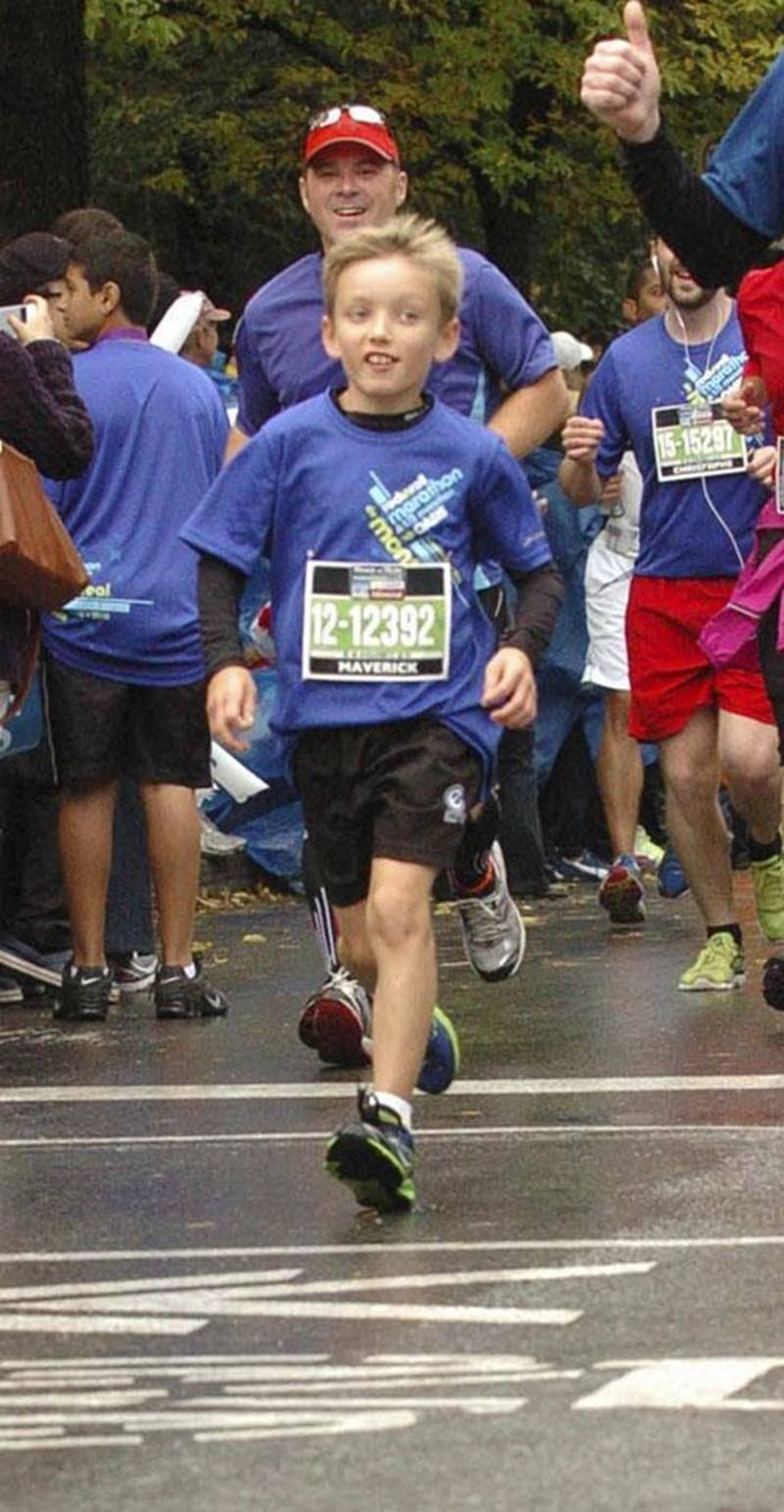 Maverick Cordeau, âgé de seulement 10 ans, a parcouru la distance du demi-marathon en 2 h 5 min 48 s.