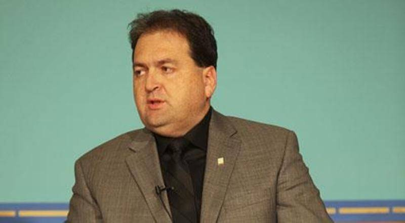 Le conseiller Alain Leclerc s'est porté à la défense de la controversée réforme de l'assurance-emploi.