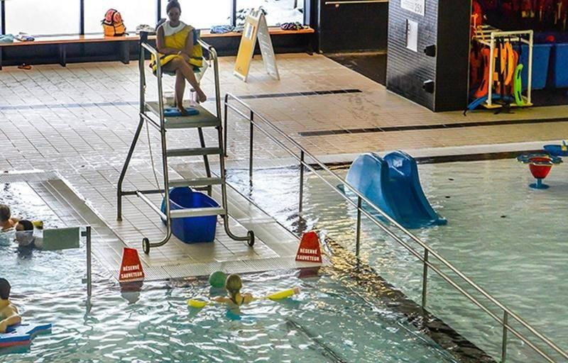 Centre aquatique: des installations non conformes