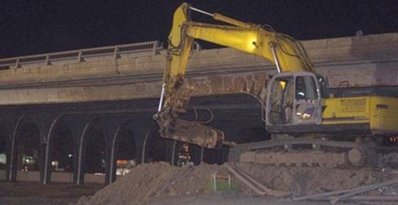 La partie ouest du viaduc Laframboise a été démolie au cours de la nuit du 20 au 21 mai par les équipes du ministère des Transports du Québec (MTQ). Les travaux ont respecté l'échéancier prévu et la circulation a repris son cours normal très tôt mercredi matin. Jusqu'à la reconstruction de la partie ouest, deux voies de circulation vers le nord et une voie vers le sud permettront aux automobilistes d'emprunter le pont. La même opération aura lieu pour le côté est du viaduc dès le printemps 2015,
