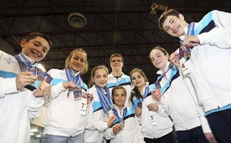 De gauche à droite, Charles Desmarais, Maëlly Hamel, Audrey Ladouceur, Frédéric Laflamme (à l'arrière), Rosalie Ferland, Justine Burelle, Marianne Danella et Antoine Latulippe.