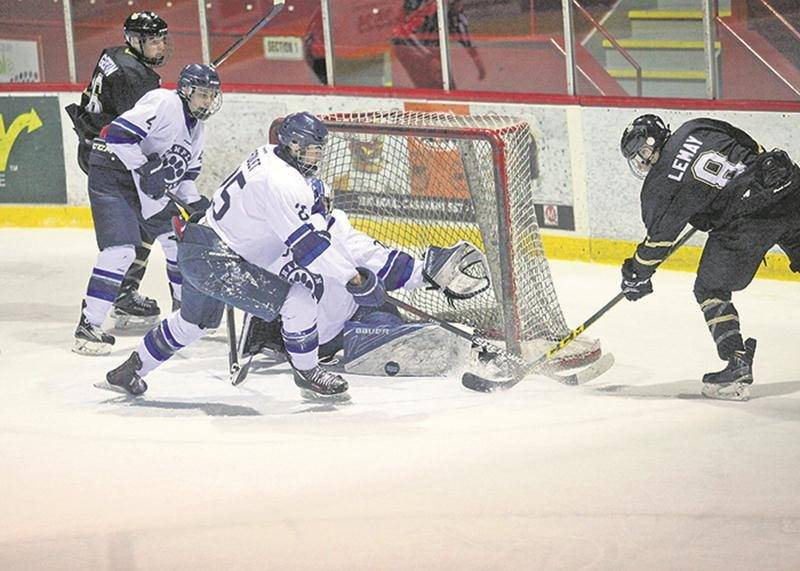 Les Lauréats ont battu les Cougars du Collège Champlain-Lennoxville dimanche pour prendre une avance de quatre points au classement de la ligue collégiale. Photo Robert Gosselin | Le Courrier ©
