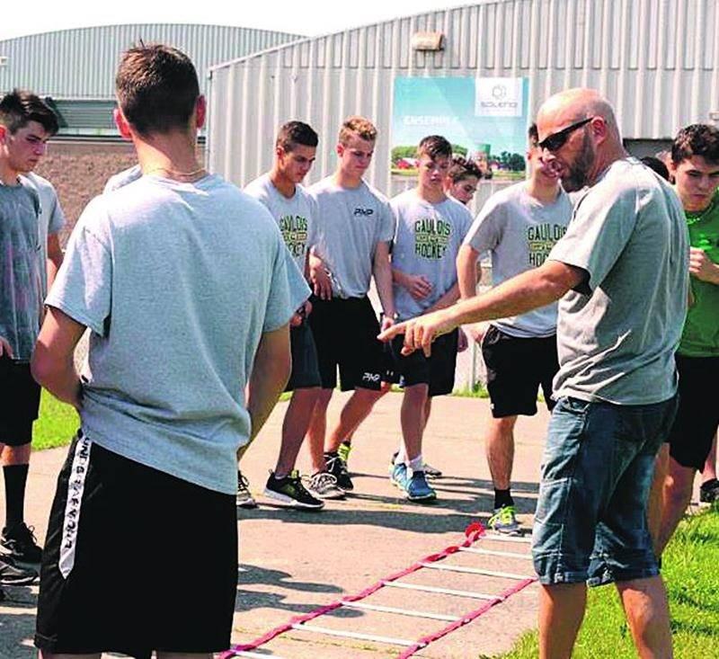 Une quarantaine de joueurs ont pris part au camp d'entraînement. Photo François Larivière | Le Courrier ©