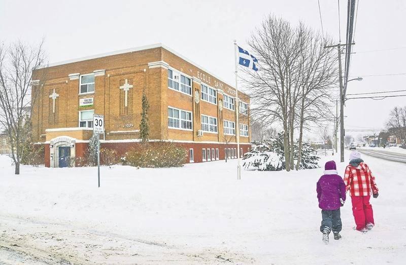 L'immeuble Saint-Joseph de l'école des Passereaux n'est pas sécuritaire. Photo François Larivière - Le Courrier