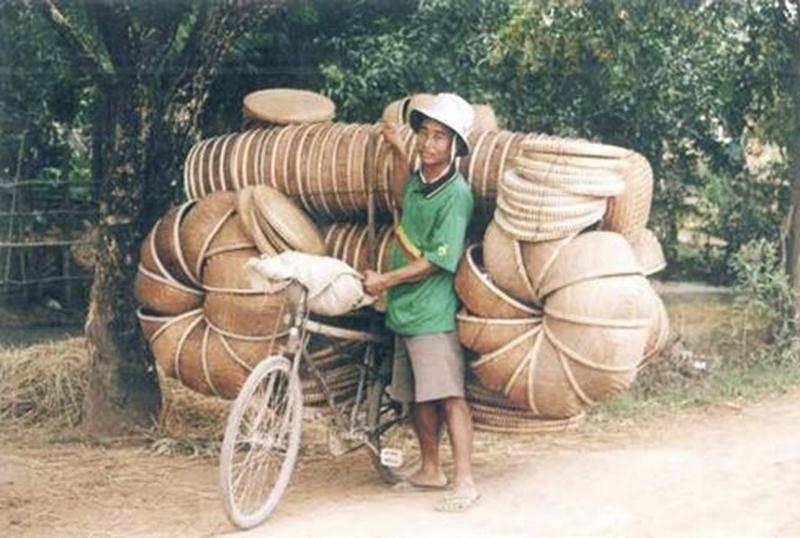 Vélo Club Saint-Hyacinthe s'associe à Cyclo Nord-Sud pour la collecte annuelle de vélos le samedi 17 septembre, au Centre Nautique, de 10 h à 13 h (Porte des maires). Un don de 15 $ est demandé pour les frais de transport du vélo vers le Sud; en échange, un reçu d'impôt sera remis pour votre don de 15 $ et la valeur estimée du vélo. Si vous n'avez pas de vélo, nous vous invitons à nous donner un coup de main à préparer les vélos pour l'envoi des vélos dans le Sud. Ces vélos seront distribués aux