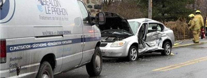 Une collision a fait un blessé sérieux sur la route 137 à l'intersection du rang Salvail Sud, le 5 décembre, en début d'après-midi. « Deux véhicules circulaient en direction nord lorsque le premier véhicule aurait tenté une manoeuvre pour faire demi-tour et a été percuté par le véhicule à l'arrière », explique Joyce Kemp, porte-parole de la Sûreté du Québec. Un homme et un enfant prenaient place dans le premier véhicule. L'homme a été blessé sérieusement, alors que l'enfant n'a pas subi de bless