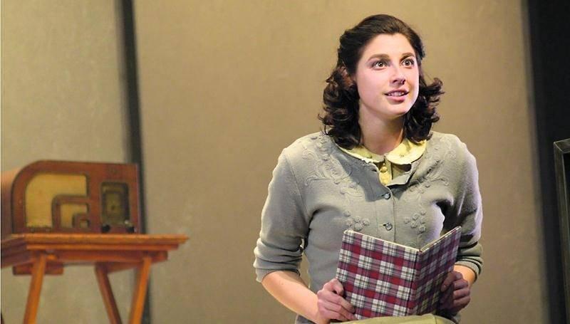 Mylène St-Sauveur fait une grande entrée au théâtre dans la peau de l'immortelle Anne Frank. Photo Yves Renaud ©