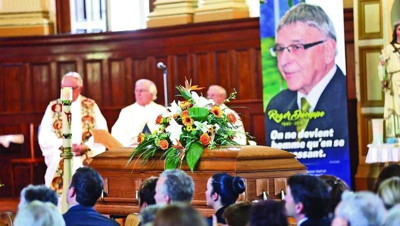 Une centaine de personnes sont venues dire un dernier adieu à Roger Duceppe. Ses funérailles ont été célébrées le lundi 4 juillet à l'église paroissiale de Sainte-Rosalie. Photo Robert Gosselin | Le Courrier ©