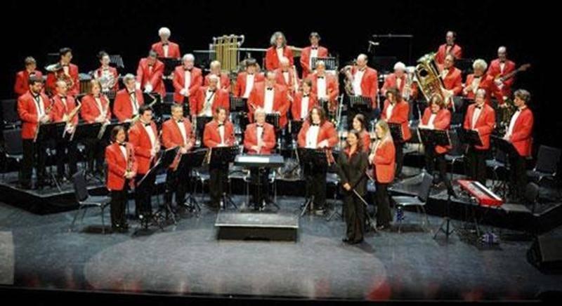 La Société Philharmonique permet aux musiciens de la région de Saint-Hyacinthe et des environs d'évoluer au sein d'un groupe musical. Cette participation à notre harmonie perfectionne la culture musicale des membres et ce, pour le plus grand bénéfice du public lors de nos concerts. La Société Philharmonique a repris ses activités et est toujours à la recherche de musiciens (flûtes, clarinettes, trompettes, trombones). Les personnes intéressées à joindre ses rangs peuvent communiquer avec nous à