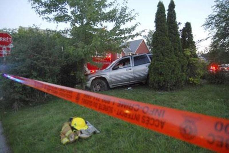 Le propriétaire du bar l'Arrêt-stop aurait été victime d'un malaise alors qu'il était au volant de son véhicule, ce qui aurait causé l'accident.