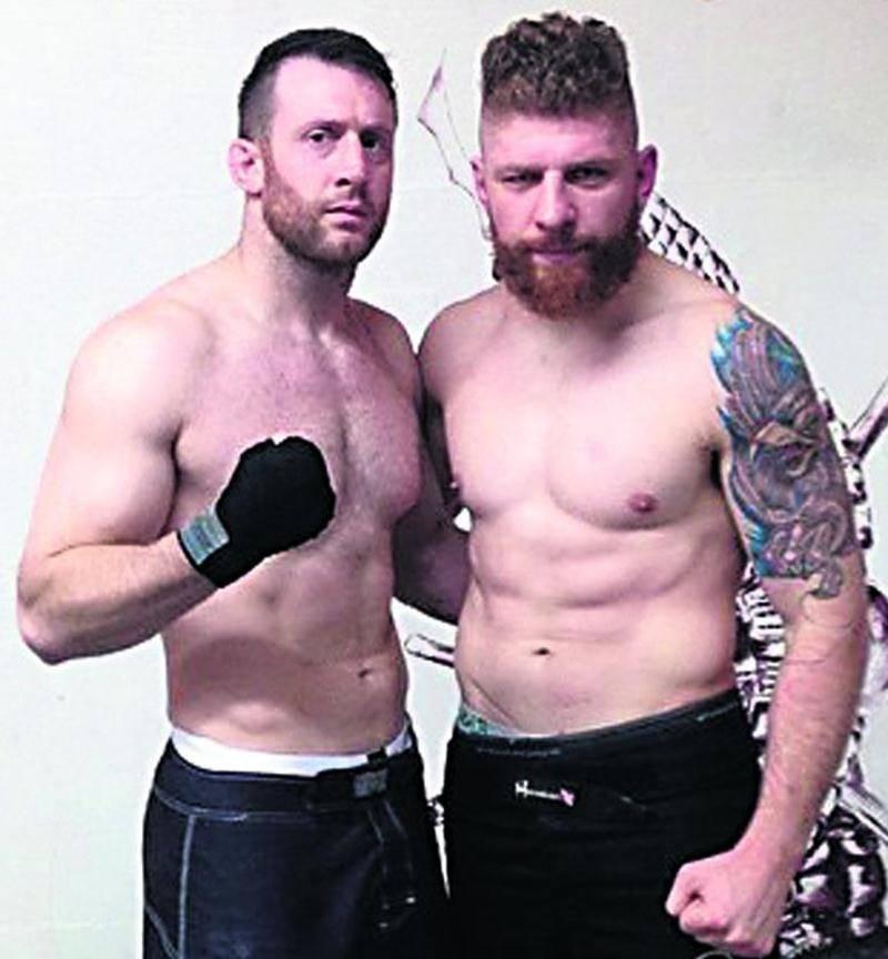 Francis Charbonneau (à gauche) lors de son dernier sparring. On l'aperçoit avec Strahinja Gavrilovic. Photo Facebook