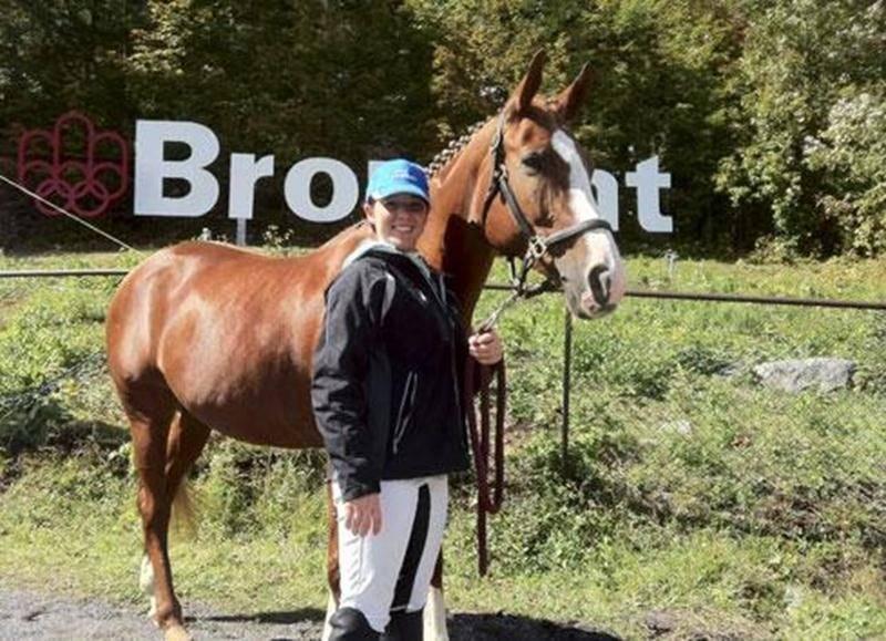 La jeune cavalière maskoutaine, Mélissa Jodoin, a offert de belles prestations avec son cheval O'Phélie, permettant au Québec de remporter le bronze par équipe en dressage.