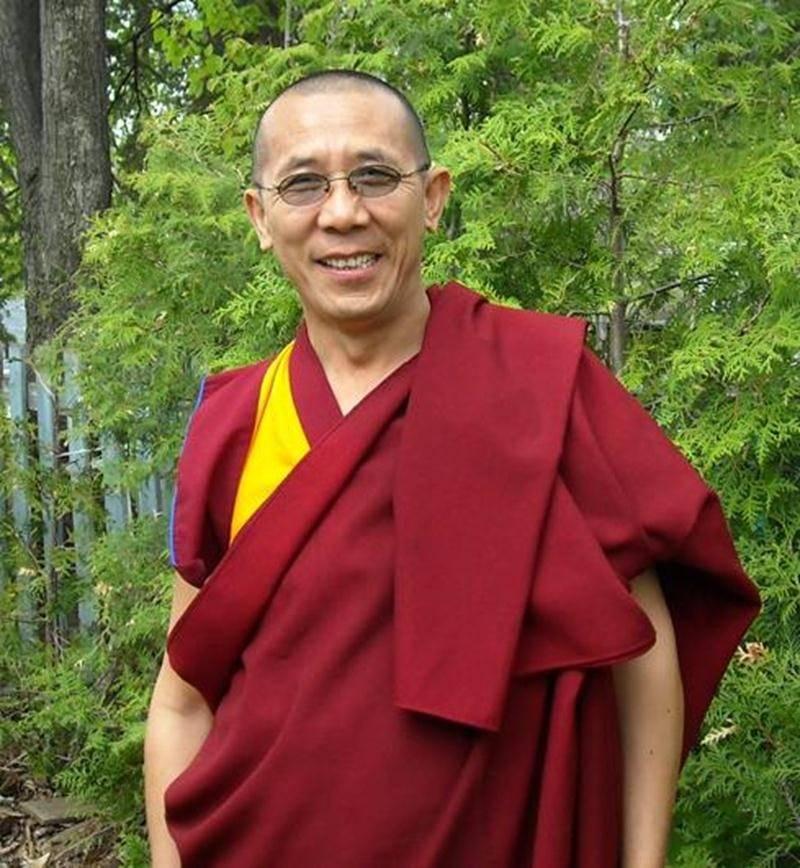 Nous vivons tout au cours de notre vie des émotions de toutes sortes. Les émotions sont-elles toujours positives? ou négatives? Comprendre ses émotions est d'une importance cruciale, car ce sont elles qui font de nous des personnes heureuses ou non. La philosophie bouddhiste tibétaine offre des outils pour parvenir au bonheur que nous désirons tous. La population de Saint-Hyacinthe et des environs est invitée à assister à une conférence offerte par Lama Samten, un moine tibétain qui vit au Québe