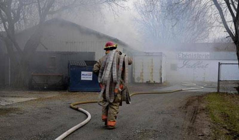 Le pire a été évité pour l'Ébénisterie Jalbert. Les meubles se trouvant à l'intérieur ont pu, pour la majorité, être épargnés des flammes.
