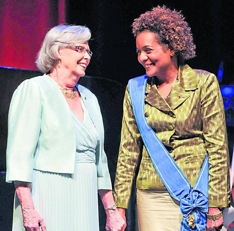 Andrée Champagne en compagnie de l'ex-gouverneure générale du Canada, Michaëlle Jean, qui aspire à devenir la prochaine Secrétaire générale de l'Organisation internationale de la Francophonie.
