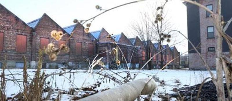 D'ici quelques jours, l'ancienne usine Goodyear, située sur la rue Delorme à Saint-Hyacinthe, croulera sous les pics des démolisseurs. Rien ne sera épargné.