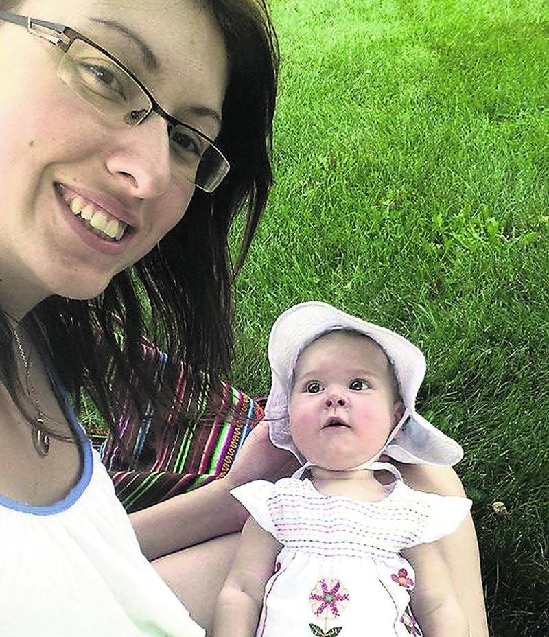 Ariane Readman, un petit poupon maskoutain de sept mois, a reçu un vaccin expérimental qui pourrait permettre d'enrayer l'amyotrophie spinale, une maladie dégénérative dont elle souffre depuis sa naissance.