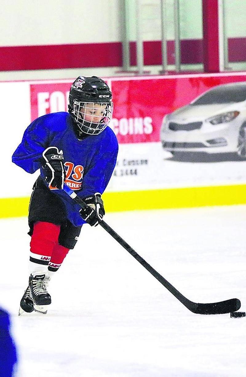 L'école Bois-Joli-Sacré-Coeur a tenu son tout premier Festival de hockey sur glace le 17 avril chez Isatis Sport Saint-Hyacinthe. Photo Robert Gosselin   Le Courrier ©