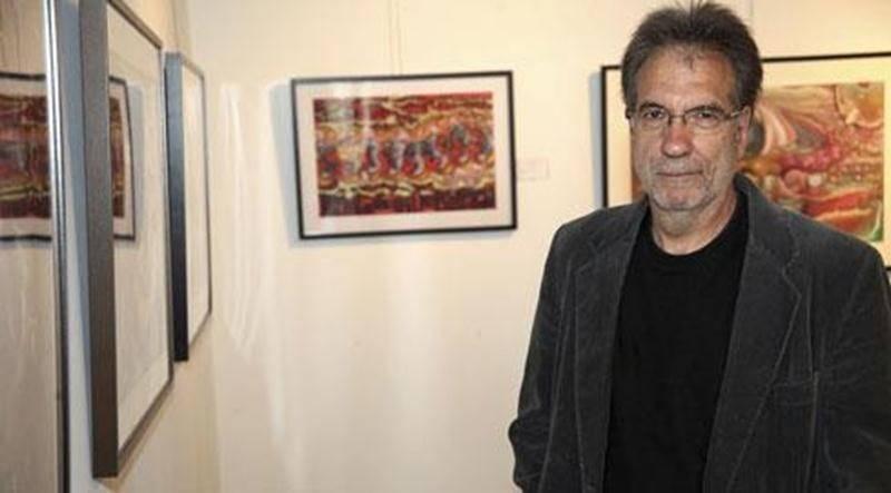 L'artiste-peintre Claude Therrien présente l'exposition <em>Mouvements intérieurs</em> jusqu'au 13 juillet au Bureau de tourisme et des congrès de Saint-Hyacinthe.