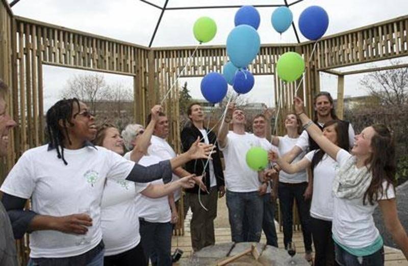 Les finissants du programme Paysage et commercialisation en horticulture ornementale de l'Institut de technologie agroalimentaire sont fiers d'inaugurer le nouveau jardin « Flore et sens ».