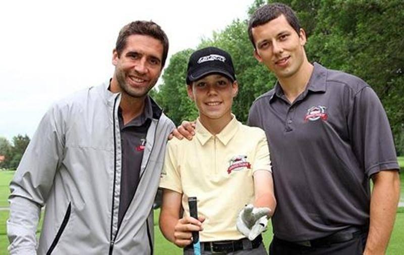 Cet été, Charles Saint-Germain a entre autres été invité à l'Omnium de Maxime Talbot (à gauche)et de Bruno Gervais (à droite) au club de golf de Saint-Hyacinthe.