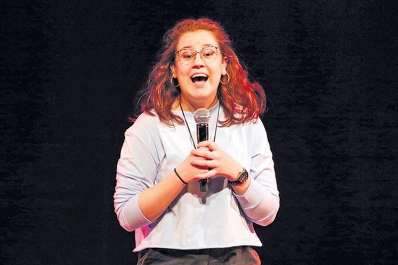 Avec son numéro d'humour, Mégan Brouillard a remporté deux prix à la Finale nationale de Cégeps en spectacle, dont le prix Coup de cœur du public.