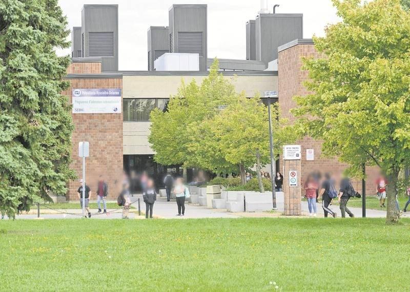 La plus grande école secondaire de la région, la polyvalente Hyacinthe-Delorme, accueille cette année 1960 élèves. Photo François Larivière | Le Courrier ©