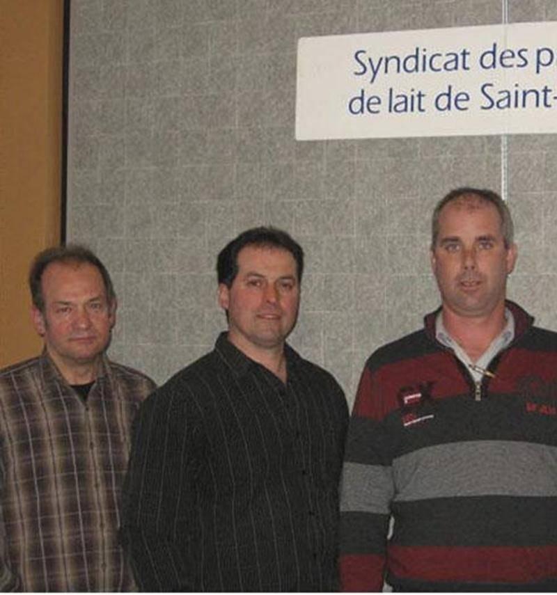 Sur la photo, de gauche à droite, le nouveau président du syndicat, Yvon Boucher, le 1 er vice-président, François Cournoyer, et Charles Graveline, le 2 e vice-président.