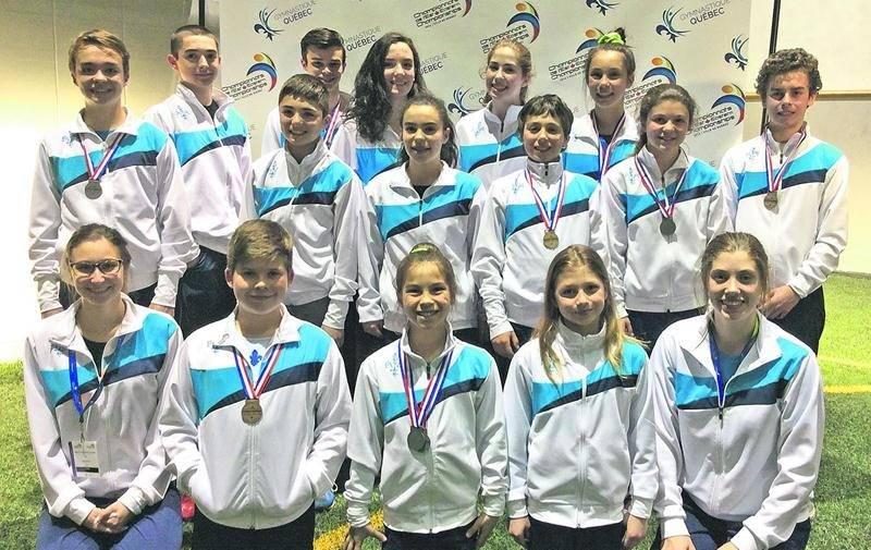 Pas moins de 14 gymnastes du club de Saint-Hyacinthe ont pris part au championnat de l'Est du Canada, remportant au total 14 médailles (dont 5 individuelles et 9 par équipe) et 8 rubans (remis aux positions 4 à 8). Photo Courtoisie