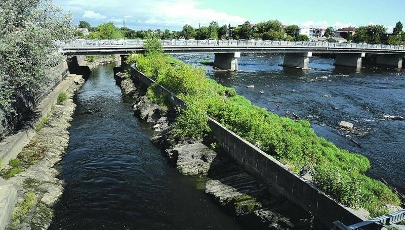 Le canal de fuite de la centrale hydroélectrique, en rive gauche de la rivière Yamaska. Photo François Larivière | Le Courrier ©