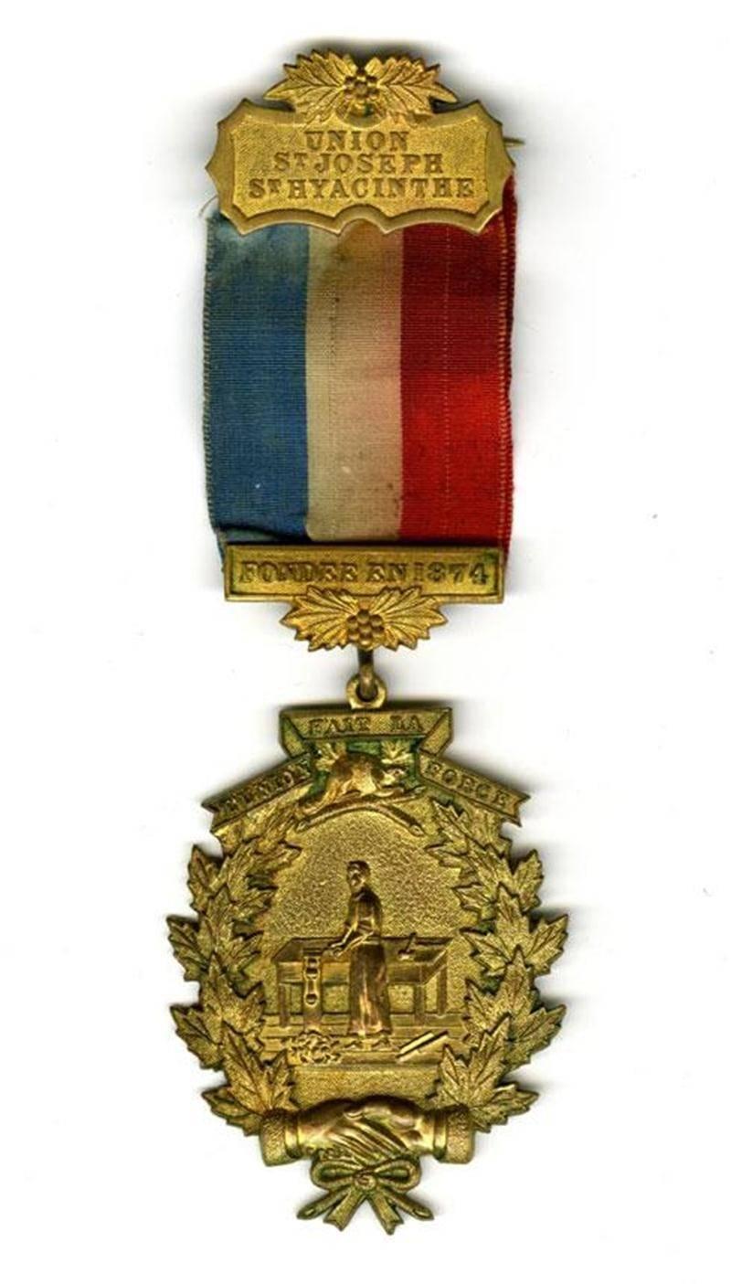 Insigne d'un membre de l'Union Saint-Joseph. (Archives du Centre d'histoire de Saint-Hyacinthe, CH332, fonds Benoit-Benoit)