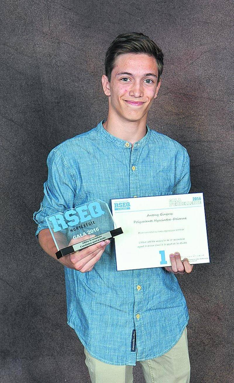 Antony Gingras, de la Polyvalente Hyacinthe-Delorme, a été honoré parmi les finalistes de 5e secondaire. Photos Courtoisie
