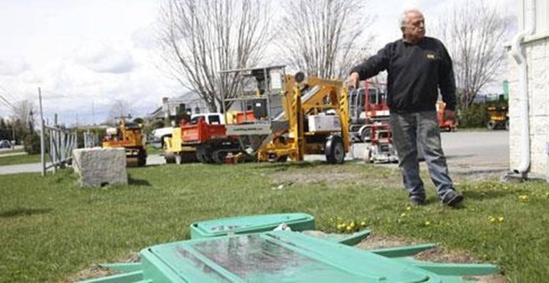 Marcel Leblanc, le propriétaire d'Outiloc, a investi environ 25 000 $ dans l'aménagement d'un nouveau système d'épuration sophistiqué.