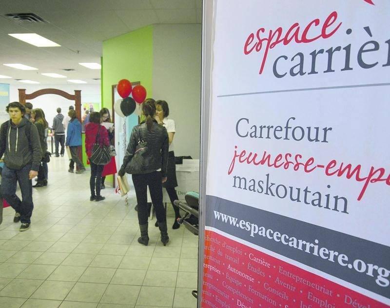 Le 1er Rendez-vous de l'emploi, organisé par Espace carrière, a attiré plus de 1 000 candidats. Photo François Larivière   Le Courrier ©