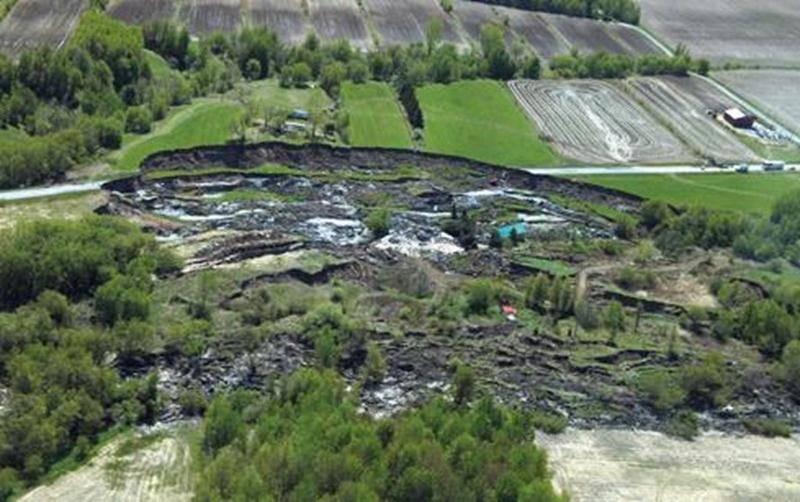 Le glissement de terrain meurtrier du 10 mai 2010.
